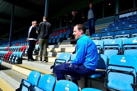 STOLER PÅ SPILLERNE: Håkon Wibe-Lund mener både klubben, trenerne og spillerne er profesjonelle nok til å takle den vanskelige situasjonen de nå befinner seg i.