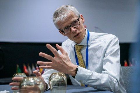 ADVARER: Skattedirektør Hans Christian Holte mener nordmenn bør huske å informere riktig på skattemeldingen.  Foto: Heiko Junge (NTB scanpix)