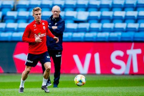 Martin Ødegaard på trening før landskampene mot Romania og Færøyene.