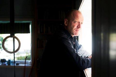UUTHOLDELIG SPENNENDE: Hilde Diesen er begeistret for Kristian Klausens (bilde) bok Dagbøkene 1996-2018.