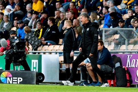 IRRITERT: MIF-trener Vegard Hansen var irritert da det ble 3-2-tap mot Lillestrøm.