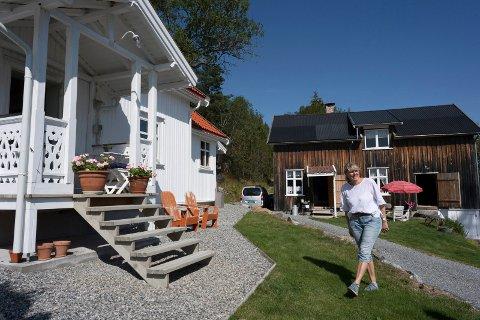FIRE ÅR: Torhild Homelien (67) har pusset opp småbruket i Skotselv i fire år.