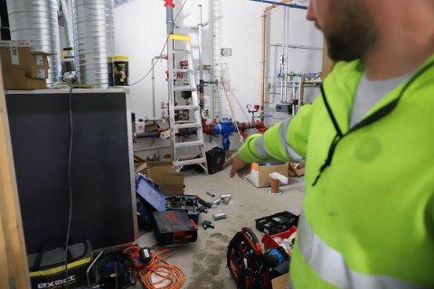 Alt verktøyet lå innlåst på et teknisk rom i bygget.