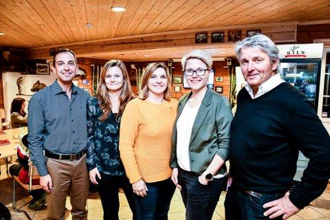 VALGVINNERE:  Fem av de 11 representantene fra Senterpartiet: Kim Mogen Myhre (f.v.), Astrid Røren, Henriette Flaget, Brit Tove Krekling og Knut Kvale.