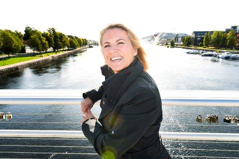 BYEN MIN: Monica Myrvold Berg er ikke redd for at drammenserne ikke skal se på henne som sin ordfører - selv om hun er fra Mjøndalen: – Jeg er oppriktig glad i Drammen by. Det er min by også, smiler hun.