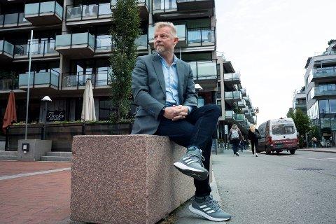 MÅTTE GI OPP DET URBANE LIVET: Jan Erik Jahnsen kjøpte seg en leilighet i sentrum, da barna ble voksne og flyttet ut. Han ønsket seg mer av det urbane liv. Etter kort tid utviklet han astma og fikk store helseproblemer. Nå har han flyttet tilbake til Konnerud.
