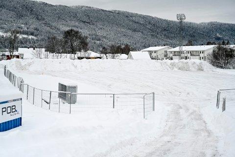 Drammen kommune har funnet en ny plass å dumpe snøen fra byens gater, men til vinteren blir Berskog fortsatt tatt i bruk.