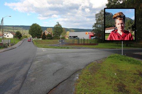SAVNER FOTGJENGEROVERGANGER: Verken over Gamle Riksvei (til venstre) eller Tverrveien er det fotgjengerovergang mot klatreparken og Coop Extra. Natty Lundesgaard liker av den grunn ikke å sende barna alene til klatreparken.
