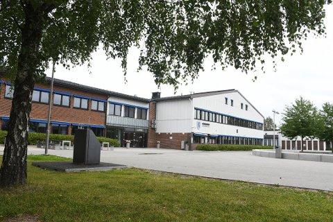På blant annet St. Hallvard videregående skole i Lier er det fortsatt ledige plasser.