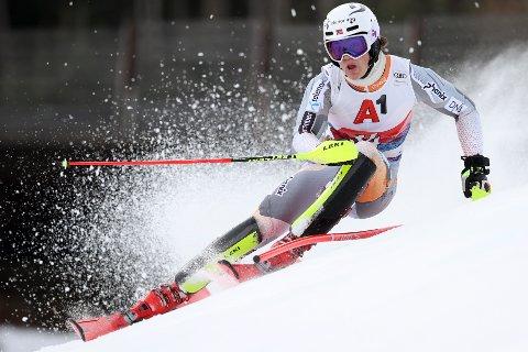 LEDER: Lucas Braathen fra Hokksund leder i Kitzbühel etter en kruttsterk omgang.