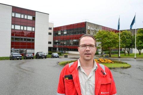 Arne Chr. Rødby, klubbleder i verkstedsklubben Fellesforbundet ved Aker Solutions på Tranby, og de andre ansatte fikk mandag den tunge beskjeden fra konsernledelsen.