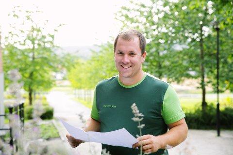 SELGER HAGETJENESTER: Clemens Zeh (27) åpnet nettbutikk for anleggsgartnertjenester i sommer.