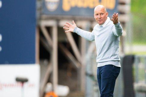 MYE NESTEN: SIF-trener Henrik Pedersen kan konstatere at laget hans har vært nær seier en rekke ganger i det siste, men det har endt uavgjort.