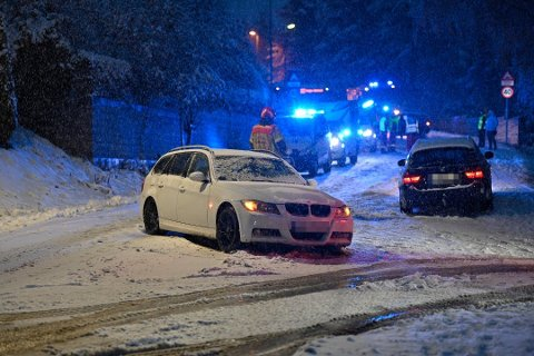 Det ble trafikkaos da årets første snø kom i oktober. Her fra Konnerud.