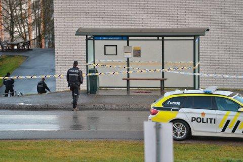 KNIVSTUKKET: Mannen ble knivstukket på Fjell 14. november i fjor. Nå har statsadvokaten tiltalt mannen de mener står bak ugjerningen.