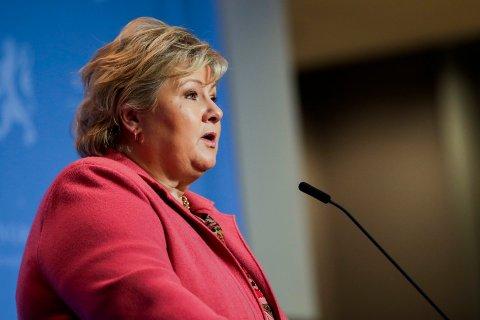 Statsminister Erna Solberg (H) under en pressekonferanse om koronasituasjonen onsdag.
