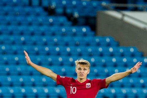 Martin Ødegaard får sin mesterligadebut på Real Madrids midtbane i bortekampen mot Inter. Foto: Håkon Mosvold Larsen / NTB