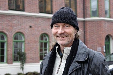 KOMMUNENS FØRSTE BYANTIKVAR: – Det synes jeg er spennende, men også litt alvorlig, sier Vegard Lie til Drammens Tidende.