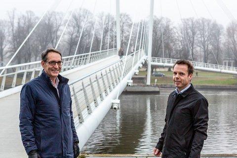 SATSER I DRAMMEN: Bjørn R. Grepperud, administrerende direktør i Insenti (til venstre) og Christian Molt Rise, daglig leder for Insenti i Drammen.
