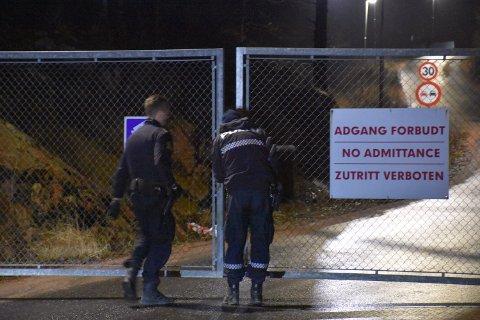 Politiet søker etter kvinnen ved Follestad gjenvinningstasjon.