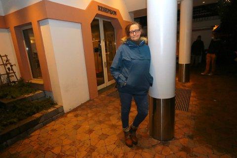 Jorun Skryseth er fra Røyken, men bor på Nannestad. Nå trør hun til på Hotell Olavsgaard - og hjelper de mange som trenger klær etter jordraset på Gjerdrum.