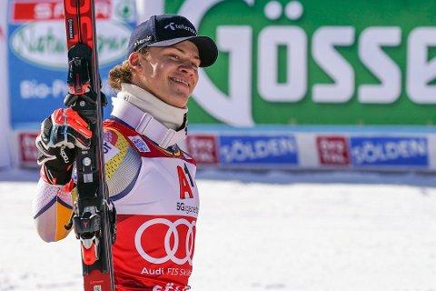 Lucas Braathen var i fokus i Sölden etter seier i verdenscupåpningen i storslalåm søndag. I Italia gikk det ikke like bra.