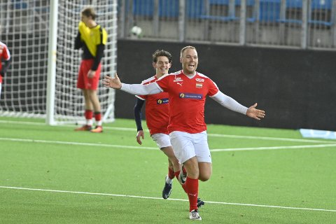 MATCHVINNER: Fredrik Løwe ble den store helten for Konnerud 2 med sin overtidsscoring mot Hokksund i finalen i DT-cupen for 6./7. divisjonslag i fjor høst.