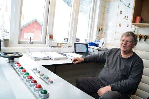 HEISVAKT: Steinar Sørensen i Drammen Slalåmklubb, her avbildet i heisrommet i februar.