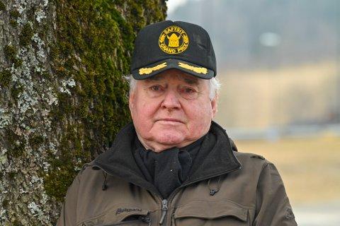 VILLE SI IFRA: Jan Yngvar Nilsen (80) vil ha diskusjon rundt unntaket i hytteforbudet, som han synes ikke gir mening.