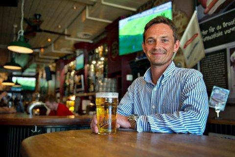 ENDRINGER: Tommy Christoffersen har planer om å gjøre noen endringer i puben etter gjestenes ønsker.