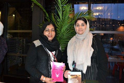 PÅ STAND: Qudisa Quddis (til venstre) og Saleha Ahmad var på plass på Union Scene for å fortelle om kvinners stilling i Islam.