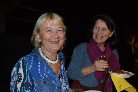 FORBEDRING: Eva Rohdin (venstre) og Lisbeth Hokhart feiret kvinnedagen på Union Scene søndag. De mener at Norge har gjort mye riktig på likestillingsfronten, men at det fremdeles er kamper som skal kjempes.
