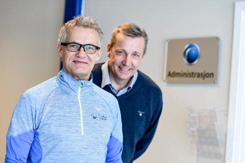 SUKSESS: Bjørnulf Borge og Bjørn Garder fra den gang Cater AS flyttet inn på Lierskogen. Nå selger Bjørnulf Borge seg ut.