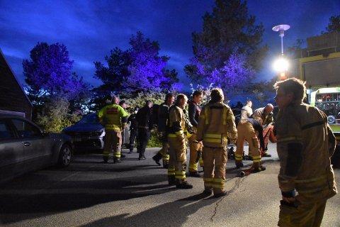 Det formelig krydde av brannvesen og politi på stedet etter at alarmen gikk på Holmsbu Hotel og Spa fredag kveld.