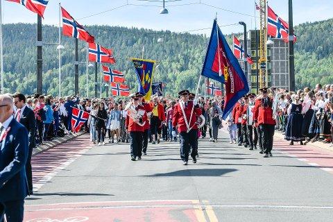NASJONALDAGEN: Det inviteres til en annerledes 17. mai-feiring i år. Bildet er tatt fra 17. mai-toget i Drammen 2019.