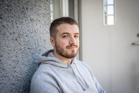 TENKER PÅ DET HELE TIDEN: Thomas Muggerud har snart vært permittert i elleve uker. – Det er en stressende situasjon med mye tankekjør, sier han.