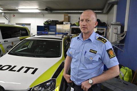 Jan Ole Dystland er leder for patruljene i drammenspolitiet. De håper å slippe rundreise på hjemmeadresser for å dempe fyll og uro i ferien.