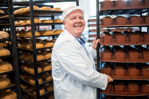 Henrik Grøtterud er daglig leder for det nye bakeriet til Nærbakst AS på Tranby i Lier.