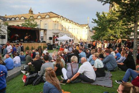 MINIFESTIVAL: Plenen har blitt arrangert under Elvefestivalen de siste to årene. I år ønsker de å strekke arrangementet utover hele sommeren.