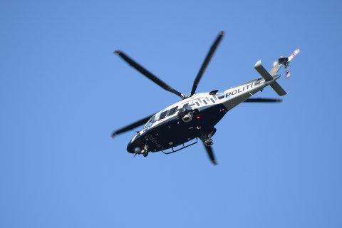 Politihelikopteret bisto i søket.