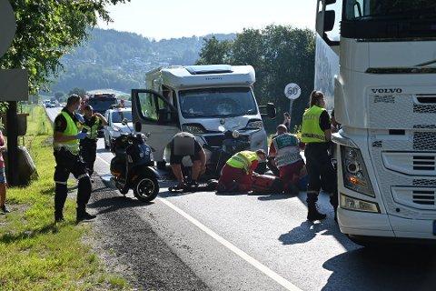 ULYKKE: En skuterfører er skadet etter en påkjørsel bakfra på E134 mellom Amtmannssvingen og Gullaug.