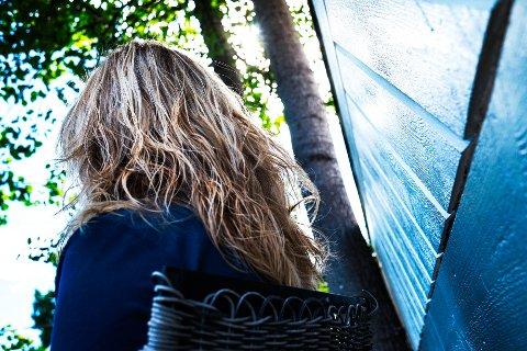 Moren fra Drammen sier hun ikke i sin villeste fantasi kunne se for seg at noe sånt skulle skje. Nå håper hun hennes opplevelser kan være med å opplyse andre, og gjennom det bidra i det forebyggende arbeidet i forhold til rus.