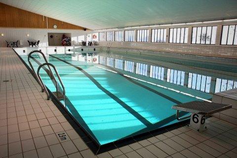 Svømmehallen i Lierhallen åpnes ikke for publikum ut året.