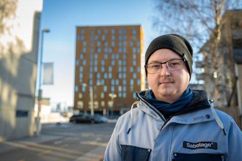 DRØMMEJOBBEN: Jobben som hovmester på Brunosten var drømmejobben for Even Mortensen Flyum.