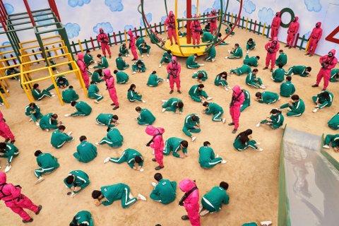 SKAPER BEKYMRING: Flere skoler i landet har nå advart foresatte om  å la barn se på Squid Game.