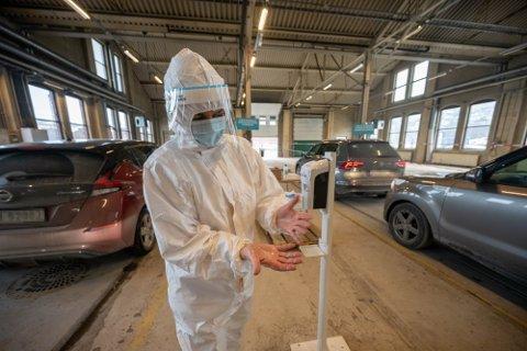Dette bildet er tatt under en langt mer hektisk fase av koronapandemien. Nå har det stilnet på testfronten.