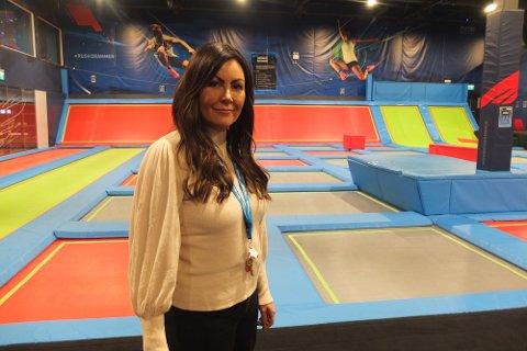 ENDELIG ÅPNING: Etter flere måneder med stengt trampolinepark kan Anneken Magnussen endelig åpne dørene for hoppende glade barn og unge.