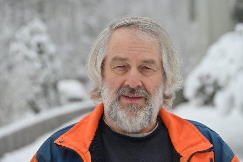 INNBRUDD: Arve Kristian Petersen opplevde innbrudd hos seg natt til fredag. Nå ser det ut til at bildeler for store verdier er tapt.