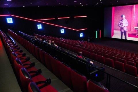GLISSENT: Det var ikke mange som tok turen på Drammen kino da de åpent dørene fredag.