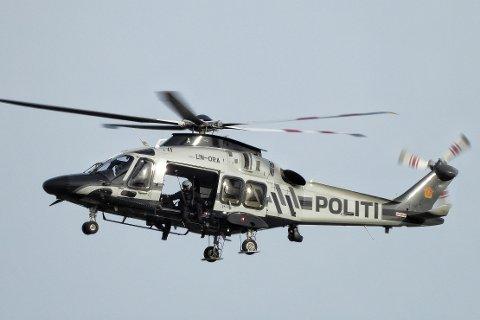Etter to dager med dårlig vær, tror man nå at man kan sette inn helikopter i søket etter den savnede mannen i fjellet i Sigdal. Bildet er fra en tidligere leteaksjon på Blefjell.